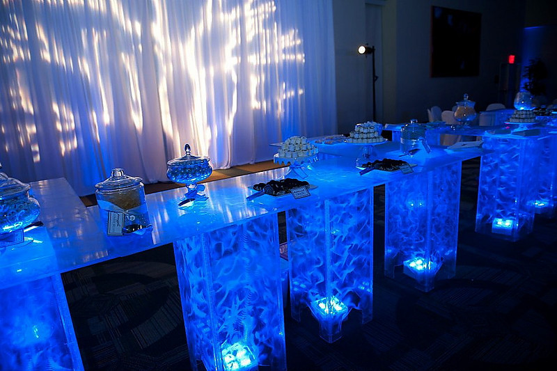 Blue wedding ideas site