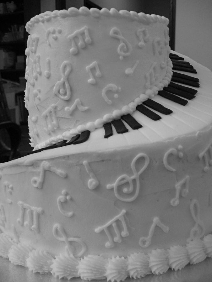 Piano Cake Home