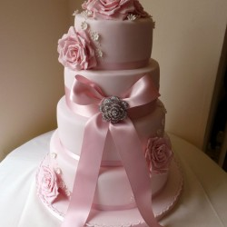 pink weddign cakes