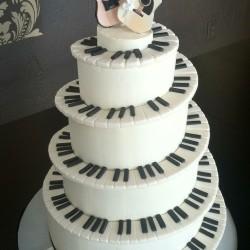 Music theme wedding cake on Music theme wedding page