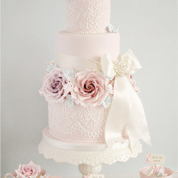 pink wedding cake from leatherwooddesign,com